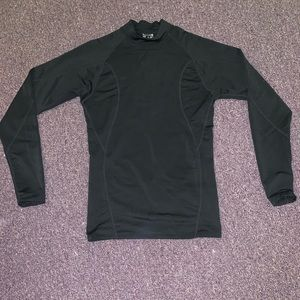 Long sleeve undershirt